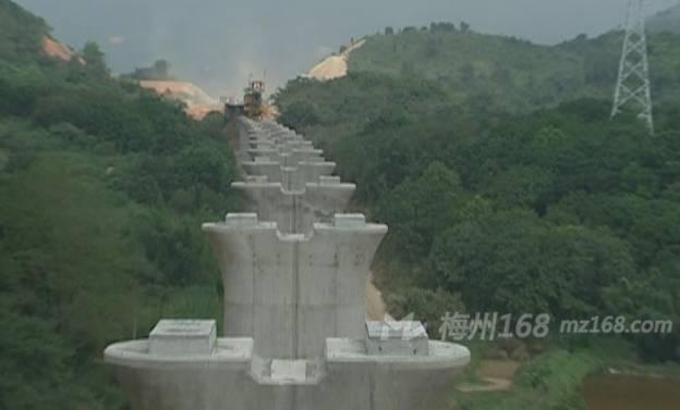 梅汕高铁丰顺段提前一月完成桥涵路基施工