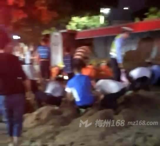 丰顺汤坑发生一宗交通事故,造成6死1伤!