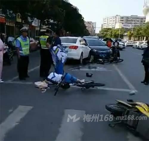 兴宁发生多车碰撞事故,一名女学生倒在地上…